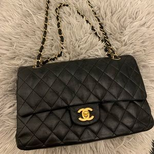 💯 % authentic Chanel bag